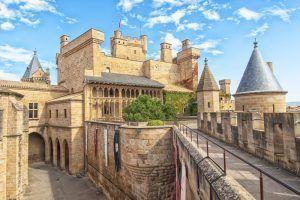 El Castillo de Olite - Arquitectura Española de Ayer y de Hoy